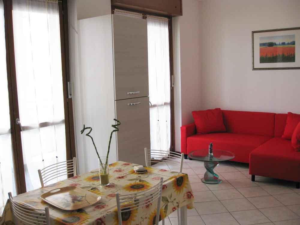 appartamento-via-europa-96-rozzano-soggiorno